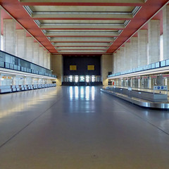 Hello and goodbye (THF #5) (Cydracor) Tags: berlin thf tempelhof airport flughafen lumix panasonic tz71 ベルリン・テンペルホーフ空港 柏林滕珀尔霍夫机场 architektur