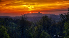 Sunrise (mturnau) Tags: sunrise mountainsunrise mountains clouds cloudscapes northcarolina nikond7200 color dawnofanewday dawning beauty majestic zirconia zirconianc hendersonville flatrock explore