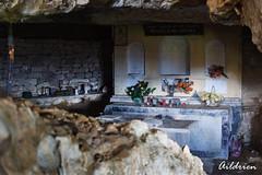 Altar Ermita de la Virgen de la cueva, Jaca (Aildrien) Tags: pirineos cueva jaca virgendelacueva huesca oroel