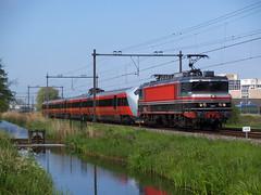 Captrain 1618 + BM73 (jvr440) Tags: trein train spoorwegen railroad railways haarlem spaarnwoude captrain raillogix 1600 1618 bm73 73007 nsb