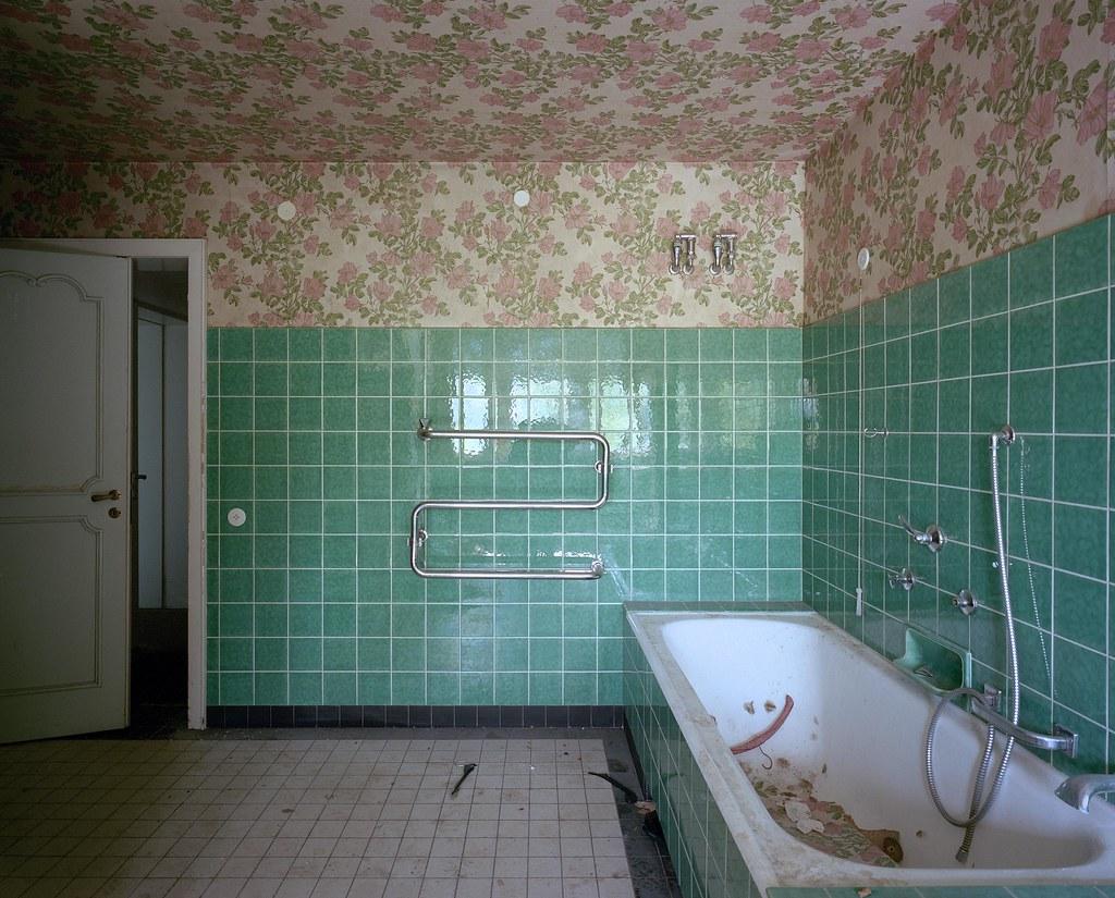 The world 39 s best photos of sucherkamera flickr hive mind for 6x7 bathroom
