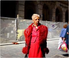 The Woman in Red (Steve Lundqvist) Tags: teramo italy italia abruzzo streetphotography old elderly classy snap shot candid elegant vecchi vecchio fujifilm x100s red rosso dress fur