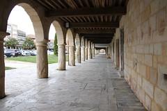 Arcos y soportales. (P.H.F.) Tags: soportales arcos medieval aguilar de campoo plaza casas nobles montaña palentina explore