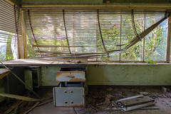 rumble in the jungle (Dagelijksbrood) Tags: 2017 belgium europe urbex abandoned abandonedplaces abandonedbuilding creepy decay derelict dark d3300 demolished digital tamron tamron1024mmf3545diiivchld tamron1024mm tamron1024 uwa new eerie exploration exploring urbandecay urbanexploration urbanexplorer neglected verlaten forgotten flickr haunted industry indoor industrialdecline industrialdecay industrie lostplaces light nikon oldandbeautiful oldbuildings oncewashome old spooky world green trees desk naturetakingover naturereclaiming moody sunny scenery great house weather art tree sun landscape summer