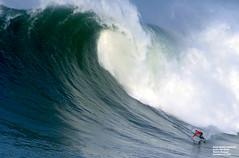 KAI LENNY / 2578NAZ (Rafael González de Riancho (Lunada) / Rafa Rianch) Tags: surf waves surfing olas sport deportes sea mer mar nazaré vagues ondas portugal playa beach 海の沿岸をサーフィンスポーツ 自然 海 ポルトガル heʻe nalu palena moana haʻuki kai olahraga laut pantai alam mare sports esportes water