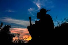 Memories. (angelbarzallo) Tags: sun sunet sky clouds photo silhouttes couple mountain canon 1100d world memories boy girl landscape