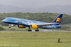 TF-FIR Boeing 757-200 Icelandair Glasgow airport EGPF 16.05-17 (rjonsen) Tags: plane airplane aircraft paint job paintjob touchdown landing smoke tyre rubber blue special livery scheme