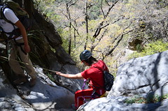 Rapel en el cañón de San Lorenzo (::: Mer :::) Tags: sierrazapaliname coahuila cañondesanlorenzo rapel rappel outdoors mountains montañas cerros hiking montañismo caminata naturaleza nature canyon