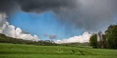 Gros temps (CrËOS Photographie) Tags: météo weather clouds nuages ciel sky nature panorama contrast contraste landscape paysage