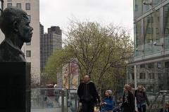 DSC05891 (Daripo) Tags: street city london children mandela sculpture wonder