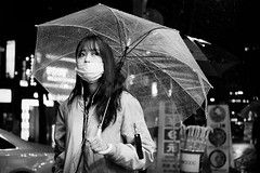 DSCF3423 (yann CM B) Tags: seoul 2017 streetphotography blackandwhite blackwhitepassionaward blackdiamond candid fixlens fuji fujixt20 35mm rain night nightlife umbrella korea woman lights city