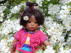 Leleti ... (Kindergartenkinder) Tags: grugapark essen kindergartenkinder blüte baum garten blume park frühling annette himstedt dolls leleti
