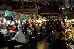 IMG_6795_RAW (jeremy!) Tags: seoul korea southkorea dongdaemun canoneosrebelt1i canon1740mm dongdaemunnightmarket
