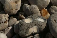 Spectral (mistigree) Tags: caillou pierre galet normandie fécamp visage