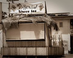 Hawaiian Shave Ice (Naturali Images) Tags: shaveice snowcones abandoned closed outofbusiness hawaii aloha