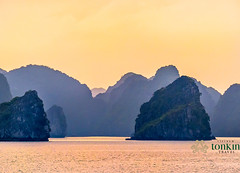 halongbay- amazing sunset