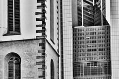Frankfurt (rainerneumann831) Tags: frankfurt kirche hochhaus architektur rainerneumann linien gebäude bw blackwhite