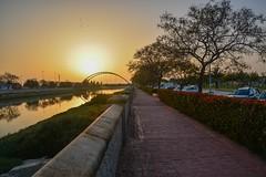 Atardecer en Chiclana de la Frontera (Cádiz) (alvaroplaxa) Tags: puestadesol puente chiclana
