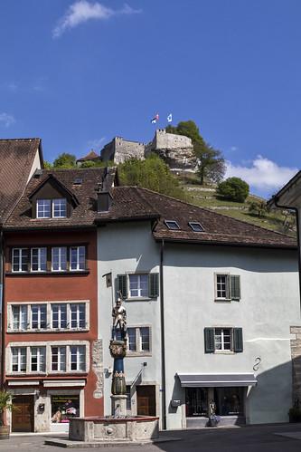 Metzgerplatz mit Chlausbrunnen