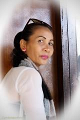 Emma Ariani (scinta1) Tags: bali indonesia 2016 kintamani kedisan mountbatur gunungbatur lakebatur danaubatur people family keluarga balinese kampung desa village woman baturbaguscottages portrait ibu vignette sunglasses