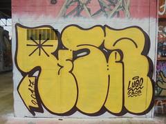 710 (en-ri) Tags: reser lugo jbcb giallo marrone arrow 2017 parco dora torino wall muro graffiti writing