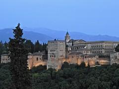 La Alhambra - Granada (Mono Andes) Tags: españa laalhambra granada patrimoniodelahumanidad worldheritage sierranevada andalucía miradordesannicolás elalbaicín