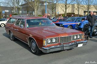 1973 Ford LTD Country sedan