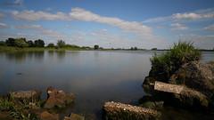 Derailing River (Wim Zoeteman) Tags: nederrijn blauwekamer gewapend beton krib rivierhoofd groyne rivier river reinforced concrete rail wimzoeteman le lente voorjaar spring mei may 2017