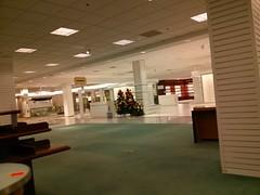 No Christmas (cjbird88) Tags: illinois bloomington eastland mall macys store closing famousbarr