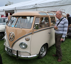 VW Microbus (Badly Drawn Dad) Tags: gbr ludlow shropshire unitedkingdom ludlowcastle ludlowspringfestival geo:lat=5236696718 geo:lon=272317217 geotagged volkswagen