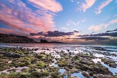 Playa del Burrero (mk2g1) Tags: atardecer ocaso sunset canarias canaryislands grancanaria playa beach rock´s rocas algas fuji 1024 fujifilm xt2