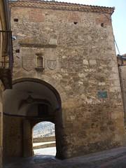 Puerta de la muralla. Pedraza. (Segovia) (Raquel fernández 2) Tags: pedraza turismo historia antigüedad arquitectura arquitecturamedieval edadmedia reinodecastilla sxiv