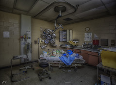 Emergency Exam Room 2 (@explor_it) Tags: quiet quality tranquil wideangle weathered explore exploring exposure exploration earlymorning 30seconds reallyrightstuff texture unitedstates urbex urbanexploring oldbuildings oldbutnotforgotten abandonded access abandondedplaces artwork deepsouth decay fun forgotten fineart f8 famousplaces gorgeous justgetoutandshoot kenthomannphotography longexposure landscape lighting lightpainting lostplaces lostintime theyjustwalkedaway canon6d canon1635f28liii canon view buildings hospital hospitalequipment surgery scalpel operation emergency