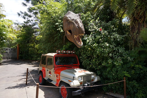 """Universal Studios, Florida: Jurassic Park Jeep • <a style=""""font-size:0.8em;"""" href=""""http://www.flickr.com/photos/28558260@N04/34741536565/"""" target=""""_blank"""">View on Flickr</a>"""