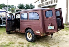 Willys Jeep (Dave* Seven One) Tags: jeep willys willyswagon willysoverland willysjeep rusty rust rot dents broken used florida pcb pcb2017 standrewsstpark fl gulfofmexico beach sand ocean camping family fun views wildlife nature panamacitybeach
