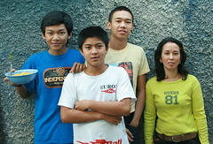 two sets of siblings (the foreign photographer - ฝรั่งถ่) Tags: four young adults two sets siblings khlong thanon portraits bangkhen bangkok thailand canon kiss