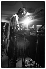 Mark Ernestus' Ngadda Rhythm Force @ Cafe Oto, London, 22nd April 2017 (fabiolug) Tags: markernestusngaddarhythmforce ngaddarhythmforce markernestus cafeoto london dalston music gig performance concert live livemusic leicammonochrom mmonochrom monochrom leicamonochrom leica leicam rangefinder blackandwhite blackwhite bw monochrome biancoenero voigtlandernoktonclassic35mmf14 voigtlandernokton35mmf14 voigtlander35mmf14 35mm voigtlander light glare