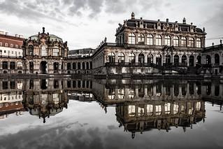 Zwinger Dresden #germany #dresden #mirrow #spiegelung #reflection #wasser #zwinger #elbe #sachsen #mzh #olympus
