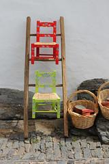 Monsaraz (hans pohl) Tags: portugal alentejo monsaraz décorations chaises advertising publicités