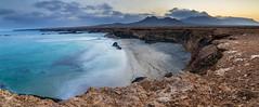 Fuerteventura_1 (Iurgi.) Tags: fuerteventua panoramica acantilados seascape cliffs turquesa turquoise gandia