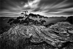 Dream Maker (Maciek Gornisiewicz) Tags: blue mountains narrowneck peninsula jamison valley australia newsouthwales nsw rocks pattern clouds longexposure mono monochrome blackandwhite landscape travel nature morning dawn canon 1635mm 5div lee maciek gornisiewicz darkelf photography dreammaker 2017