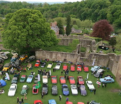 MGs, etc (Badly Drawn Dad) Tags: gbr ludlow shropshire unitedkingdom ludlowcastle ludlowspringfestival fromthetower geo:lat=5236711378 highview viewfrom geo:lon=272367295 geotagged vintagevehicles