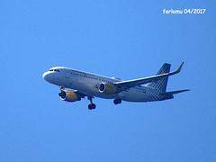 Almería 24 aterrizando (ferlomu) Tags: aeroplano almeria andalucia avion ferlomu vuelo