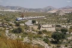 252.070 Altaria (lagunadani) Tags: paisaje monovar monover alicante mediterraneo tren ferrocarril locomotora renfe 252 252070 altaria talgo talgovi sonya7