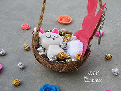 How to make a cute easter gift basket with DIY easter gifts 32 (DIY Empress) Tags: diy easter easterdiys happyeaster cute eastergifts giftbasket howto tutorial beautiful bunnies easterbunnies bunny blogger inspiration make basket bunnykeychain keychain necklace polymerclay mseal creativityfound pompom