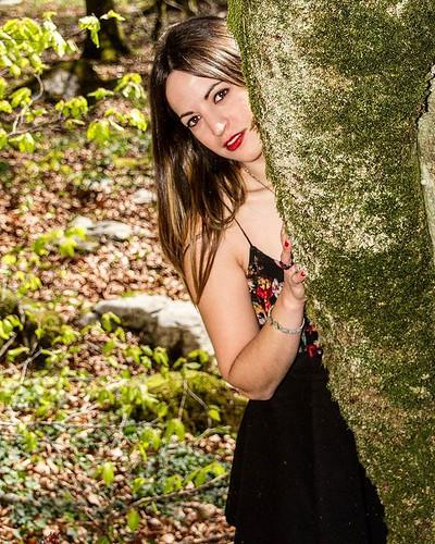Jugando al escondite  #eztizen #modelos  #glamour #fashion #belleza #reportage #model #fotos