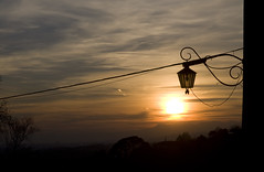 LUCE ED OMBRA - LIGHT AND SHADOW (Silvio Spaventa - Spav'68) Tags: italia italy italie italien asolo tramonto sunset nikon d90 spav68