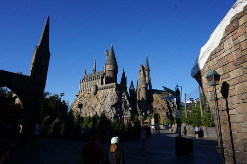 "Universal Studios, Florida:Hogwarts School of Witchcraft and Wizardry • <a style=""font-size:0.8em;"" href=""http://www.flickr.com/photos/28558260@N04/34365315700/"" target=""_blank"">View on Flickr</a>"