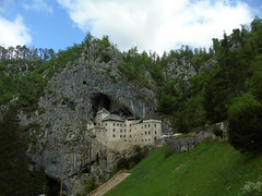 DSC00208 (ppp7p9) Tags: castello castellueghi gradpredjama grad predjama slovenia republikaslovenija