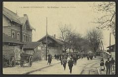 St-Vallier - Sortie des usines (Médiathèques Valence Romans agglomération) Tags: rue chemindefer charrette saintvallier